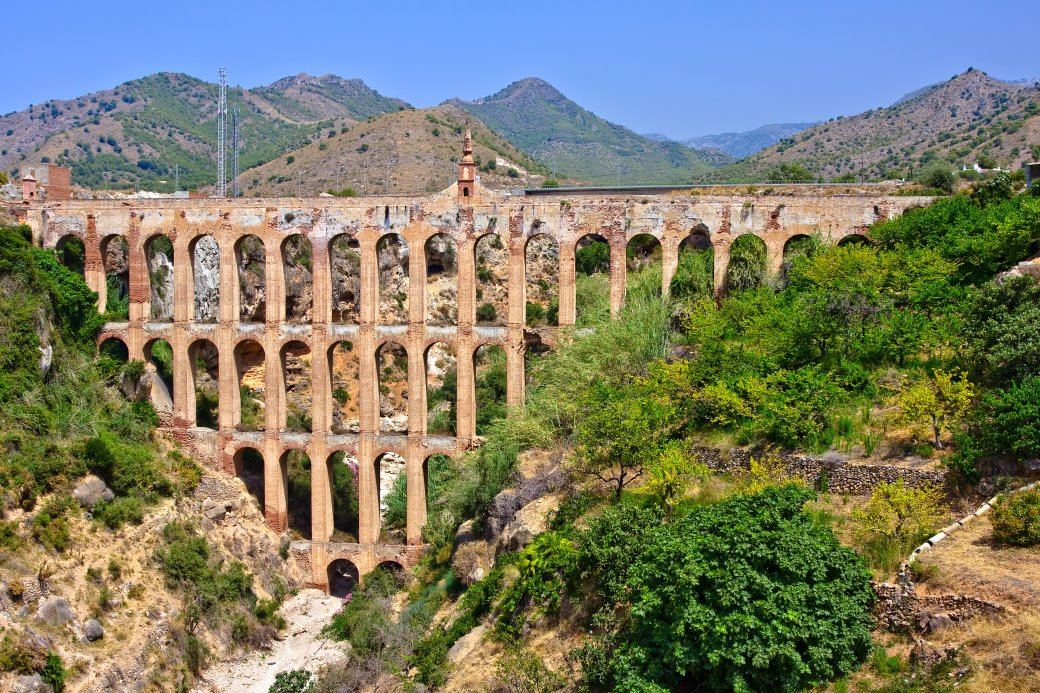 Romeinse aquaduct van Nerja